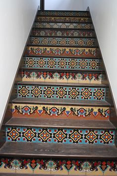 Just using tile on stairs totally transforms them. Imagine the unique combinations to create just the right look! Tiled Staircase, Tile Stairs, Small Space Interior Design, Interior Design Living Room, Mexican Home Decor, Stair Risers, Stair Stickers, Rustic Cottage, Stairways