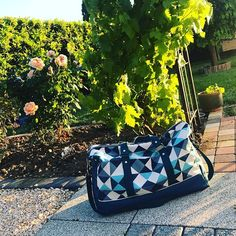 Na Tyrex 🦖 sur Instagram : Sac de voyage 🧳 🌍 #sac #sacdevoyage #bag #travelbag #couture #coutureaddict #sewing #sewingaddict #sewingproject #projetcouture #sacotin…