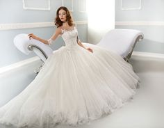 Awesome wedding dress! #weddingdress #weddingplans #beautifulweddingdress