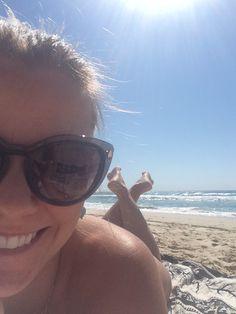 O sol por aqui é intenso e aparece quase todos os dias, mesmo que chova. Cuidado! Use protetor solar 50+, sua pele agradece e sua saúde também. #AussieLife #Australia #Travel #ViajandoNoMundoENaModa #GoldCoast #beach #sun #FPS