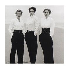 L'UOMO CHE AMA LE DONNE Peter Lindbergh, uno dei più influenti fotografi contemporanei, è conosciuto soprattutto per i suoi memorabili scatti alle modelle più famose e alle attrici più straordinarie. E' infatti una donna a scoprirlo e a dare una svolta alla sua carriera. Anna Wintour,  riscopre alcune immagini di Lindbergh lasciate in un cassetto. #fotografi #inspiration #photo