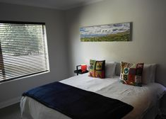 Sleeps 8 - 10 people, 4 double bedrooms, en suite bathrooms and sleeper couch in the lounge area. Sleeper Couch, Golf Estate, 4 Bedroom House, Large Homes, Double Bedroom, Lounge Areas, Bathrooms, Villa, Living Room