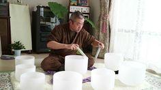 遠藤園子さんのクリスタルボウル講座初級を受け、3回目最後の演奏。 講習は園子さんのキャラもあり楽しく、そしてボウルの繊細さとパワーを学んだ。 演奏はボウルごとの個性を探りながらなんとか形を作ろうとして迷いがあった。最後は1つのボウルに任せて収める感じで終了。 ワシのブログ記事: http://taikyoku64...