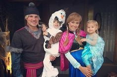awesome 17 Famous Families That Did Halloween Right Check more at http://viralleaks.us/2016/11/02/17-famous-families-that-did-halloween-right/
