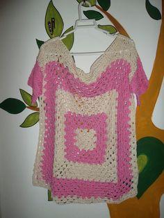 Remeron al crochet en hilo peruano beige y rosa chicle