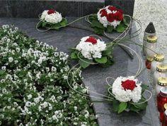 Grave Decorations, Flower Decorations, Funeral Flowers, Arte Floral, Christmas Snowman, Flower Arrangements, Wreaths, Projects, Home Decor