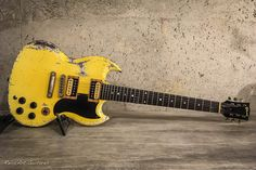 Sg Guitar, Guitar Amp, Cool Guitar, Vintage Electric Guitars, Vintage Guitars, Gibson Guitars, Fender Guitars, Gibson Sg, Les Paul Guitars