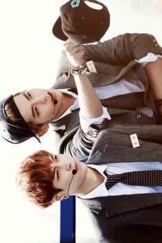 """Wuyifan and Lay ❤ I imagine their conversation """"YiXing, you see that girl over there? She is totally my style"""" XD XD"""