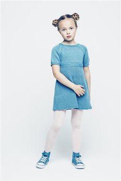 1501: Modell 6 Kjole med flettemønster #sisu #strikk #knit