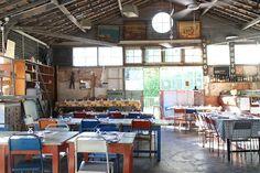 Cantina LX. Un restaurante de estilo industrial.Donde también se puede sentar fuera.