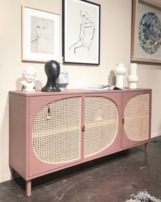 7 Gorgeous woven cabinets you will be smitten with this season - Daily Dream Decor Rattan Furniture, Upcycled Furniture, Diy Furniture, Furniture Design, Home Goods Decor, Home Decor Trends, Furniture Inspiration, Room Inspiration, Muebles Shabby Chic