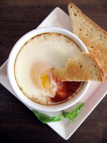 Apricosa: A perfect brunch: baked tomato and eggs