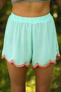 Maisie Scalloped Shorts - Mint