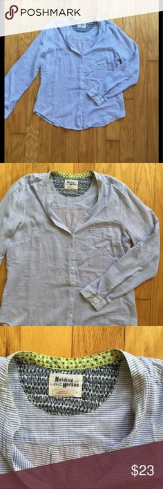 Anthropologie Holding Horses Blouse Size 10, in great condition. It's white with small blue stripes Anthropologie Tops Blouses