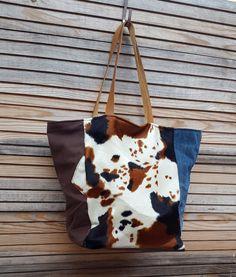 MAGNIFIQUE SAC CABAS ORIGINAL ET UNIQUE Leather Craft, Bucket Bag, Couture, Tote Bag, Purses, Black And White, Fabric, Bags, Creations