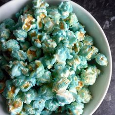 Blue Popcorn for Cinderella Birthday Party - colored popcorn for each table theme? Rainbow Popcorn, Blue Popcorn, Colored Popcorn, Candy Popcorn, Popcorn Mix, Flavored Popcorn, Cinderella Birthday, Frozen Birthday Party, Frozen Party