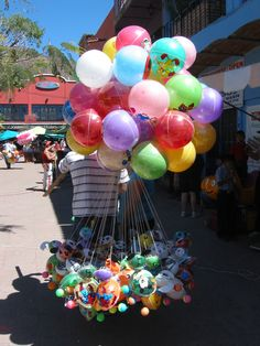 Balloons in the Ajijic plaza.