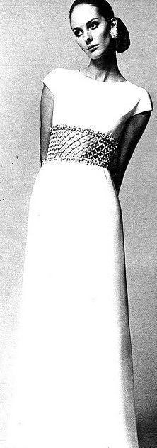 French fashion 1960's, mode, Haute couture, Paris, Paris Vogue - Givenchy, 1968