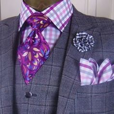 Pocket square is too much with this look. So minus that and it's great Men's Fashion, Mens Fashion Shoes, Blazer Fashion, Fashion Outfits, Grey Suit Men, Mens Suits, Sharp Dressed Man, Well Dressed Men, Men Dress Up