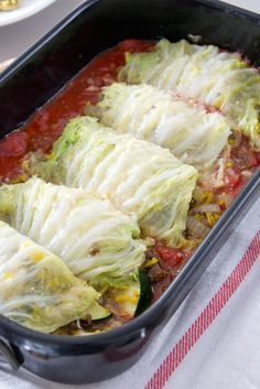 Chinese koolrolletjes met gehakt in tomatensaus uit de oven