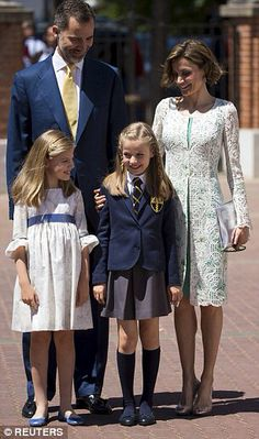 Spanish Royal family attends first communion of crown Princess Leonor  20 May 2015