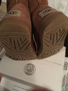 aa8ed72f909a NWOB Girls UGG Australia Kids  CLASSIC YOUTH BOOTS Chestnut Size 5 Big Kid   fashion  clothing  shoes  accessories  kidsclothingshoesaccs  girlsshoes ( ebay ...