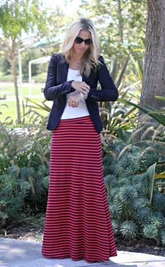 Cute maxi skirt style! Love these colors together.