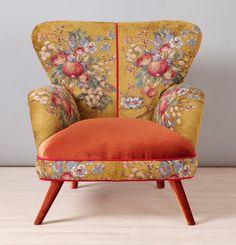Retro stijl handgemaakte fauteuil bekleed met de gouden kleur speciale gobelin en fluweel weefsels. De stoel en de buitenste delen zijn bedekt met bakstenen kleur fluwelen stof. Beuken houten constructie en schuimrubber zijn gloednieuw. Het frame is gemaakt van hardhout van de oven gedroogd.  End-to-end afmetingen (cm): breedte 90 x hoogte 90 x diepte 85; stoel hoogte 45 cm End-to-end afmetingen (inch): breedte 35,5 x hoogte 35.5 x diepte 33,5; Zithoogte 17,7 inch  ** Adres levering…