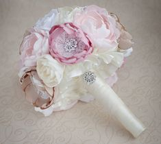 Brooch bouquet. Blush Pink Ivory and Champagne wedding brooch