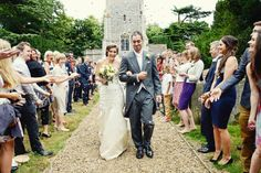 REAL WEDDING, SAGE GREEN & LEMON: ALICE & STE STRATTON | Raspberry Wedding