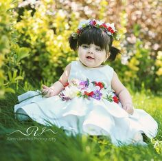 Cute Little Baby Girl, Cute Baby Girl Pictures, Beautiful Baby Girl, Little Babies, Baby Love, Cute Babies Photography, Pretty Kids, Baby Girl Halloween, Baby Girl Dresses