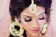 #bridalmakeup #makeup #makeupartist #makeupartist #makeup #mua #bridalbeauty #bridalmakeup #bridaldiaries #makeupforever #makeupart #beautymakeup #instamakeup #weddingsutra #makeupaddict #makeuplover #makeuplove #weddingmakeupideas Bridal Eye Makeup, Indian Bridal Makeup, Wedding Makeup Looks, Bride Makeup, Green Eyeshadow Look, Green Makeup, Colorful Eye Makeup, Eye Trends, Makeup Trends