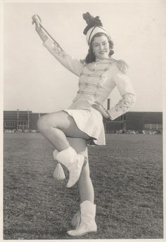 What little girl grew up in the who did not dream of being a majorette in her little short skirt.twirling her baton and marching in those cool boots with the tassels? 1950s Fashion, Vintage Fashion, Majorette Uniforms, Marching Band Uniforms, Hip Hop, Drum Major, Vintage Drums, Legally Blonde, Girl Day