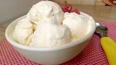 O chvíľu nám na okno zaklope jar a teplých dní bude pribúdať. A vtedy sa mnohí radi trochu osviežime lahodnou zmrzlinou. Ceny zmrzliny však stále stúpajú a preto nie je nad to, vyrobiť si ju doma. Je to veľmi jednoduché a zmrzlinu máte hotovú do 5 minút. Tak poďme na to! Baking Recipes, Dessert Recipes, Good Food, Yummy Food, Russian Recipes, Icing, Ice Cream, Snacks, Eat