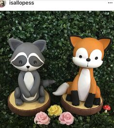 Fox and guaxinim - My best animal list Sculpey Clay, Polymer Clay Crafts, Polymer Clay Creations, Woodland Party, Woodland Cake, Clay Fox, Cake Templates, Fondant Animals, Polymer Clay Animals