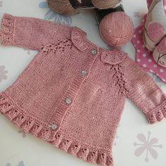 #bebek#çocuk #hırka #pudra #simli #fırfırlı #ışıltılı #örgü #handmade #knitting #şık#tarz#kokos