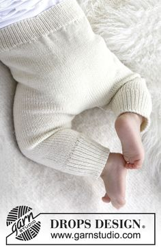 """Cozy and cute / DROPS baby - free knitting patterns by DROPS design Knitted DROPS pants in """"Baby Merino"""". Free patterns by DROPS Design. Knitting , lace processing is the most beautiful ho. Baby Knitting Patterns, Knitting For Kids, Baby Patterns, Free Knitting, Baby Pants Pattern, Crochet Baby Pants, Knit Crochet, Knitted Baby, Knitting Tutorials"""