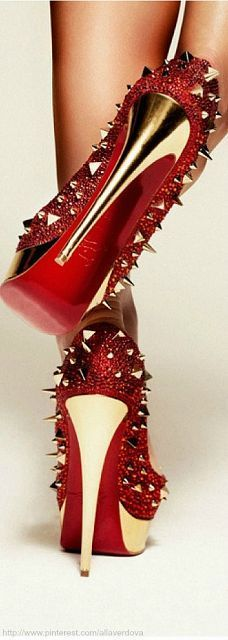 33 ideas for heels red bottoms christian louboutin shoes stilettos Louboutin High Heels, Red Louboutin, Red High Heels, Platform High Heels, Sexy Heels, Talons Sexy, Red Bottom Shoes, Christian Louboutin Outlet, Christian Shoes
