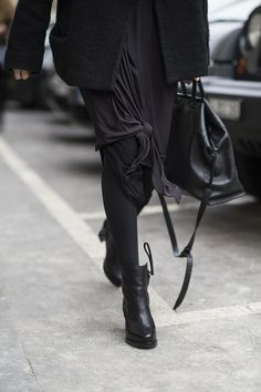 PFW fall winter 2015 / Paris | Julien Boudet | http://bleumode.com |  #pfw #fw15 #allblack #skirt #knotdetail #darkfashion #detail #streetstyle #streetfashion #bleumode
