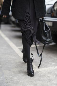 PFW fall winter 2015 / Paris | Julien Boudet | http://bleumode.com |  #pfw #fw15 #allblack #skirt #knotdetail #darkfashion #detail #streetstyle #streetfashion #bleumode