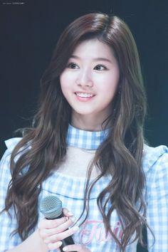 Kpop Girl Groups, Korean Girl Groups, Kpop Girls, Nayeon, Osaka, Cool Girl, Cute Girls, Sana Cute, Twice Jyp