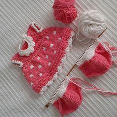 #knittedtoys #dolldress #dollclothes #dollmaker #dollknitter #bunnydoll #instagramknitters #bunnydress #knitteddolldress #knitteddolls