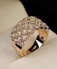 Irregular Womens Crystal Ring Gold Plated Rhinestone Party Wedding Jewelry Gift