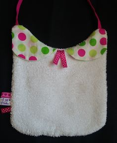 un bavoir pour bébé fille de 0 a 12 mois ..coton et éponge 9edaf3049f2