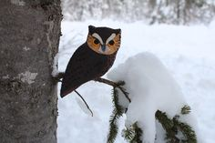 The Fearless Eastern Screech Owl. This site has patterns for many beautiful felt bird ornaments, all free!