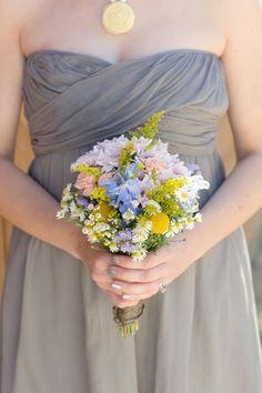 http://www.stylemepretty.com/2012/07/23/3-oaks-vineyard-wedding-by-we-heart-photography/