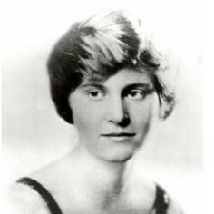 Paula McLain's novel, The Paris Wife, is the minimally fictionalized story of Ernest Hemingway's marriage to Hadley Richardson, his first. Hemingway House, Ernest Hemingway, Pauline Pfeiffer, Hadley Richardson, The Paris Wife, Moving To Paris, How Big Is Baby, Thing 1 Thing 2, Baby Names