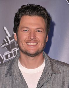 Singer Blake Shelton arrives at NBC's press conference ...