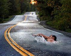 Nadando en el asfalto