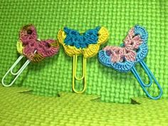 Crochet & Crafts By Maria: Crochet Paperclip Bookmarks (What To Do With Left-over Yarns) Octopus Crochet Pattern, Crochet Bookmark Pattern, Owl Crochet Patterns, Crochet Bookmarks, Crochet Books, Crochet Patterns For Beginners, Crochet Gifts, Crochet Stitches, Knit Crochet